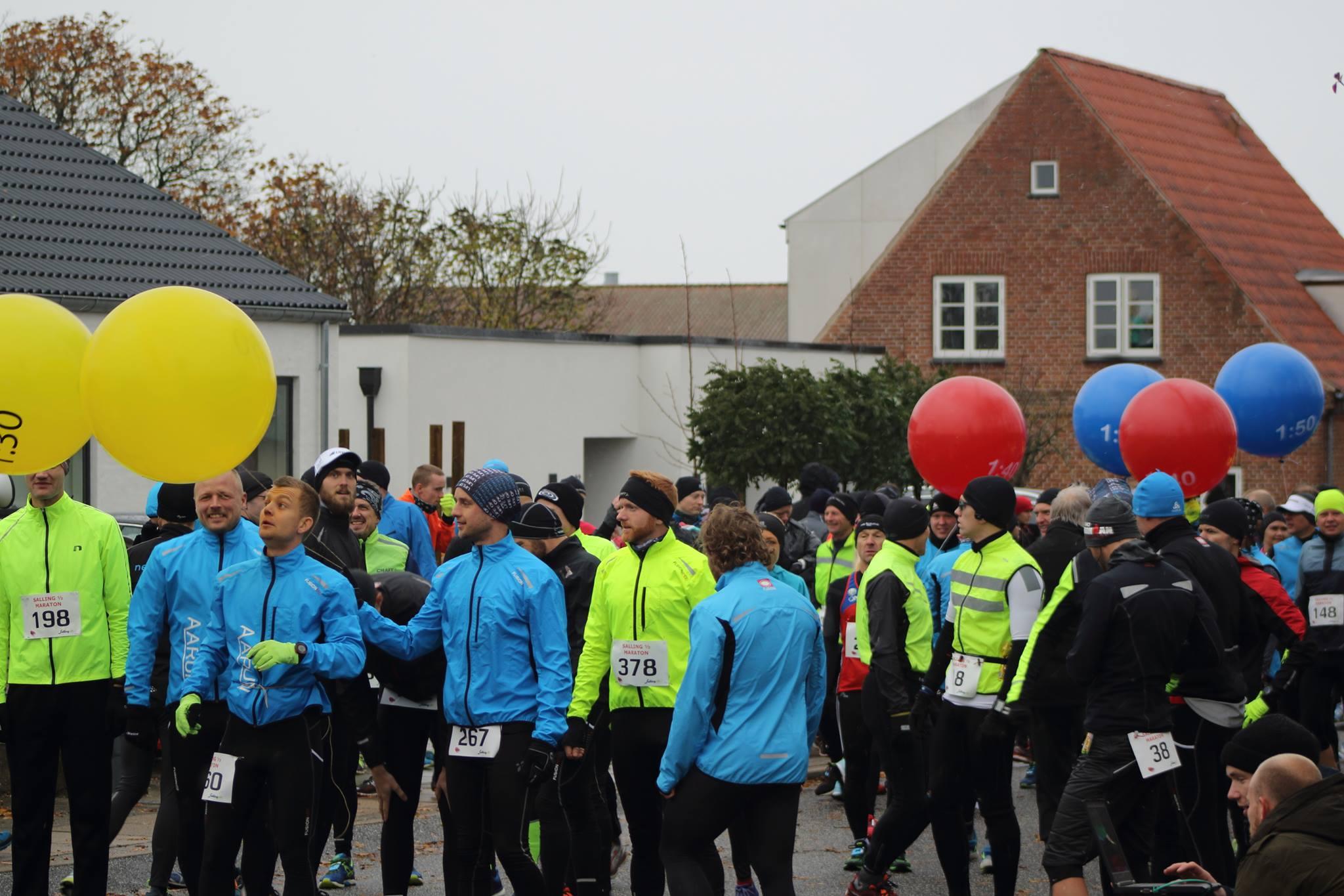 Så må starten gerne snart gå, så vi kan løbe os til varmen :-) Foto: Anders Høgh